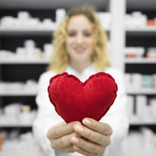 Dia dos Namorados: farmácias também podem vender itens presenteáveis